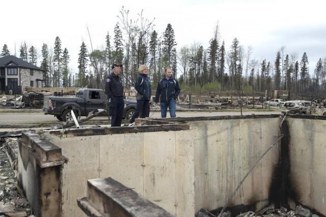 画像: 【カナダ山火事】逃げ遅れたペットたちを飼い主に代わって救出したボランティアの人々に称賛の声