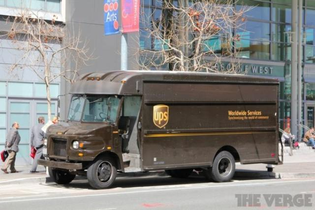 画像1: 「あれ、この前オンラインショップで買った洋服はいつ届くの?今どこ?」とお問い合わせ番号で追跡することが良くありますが、UPSがローンチしたサービスにて自分の荷物を扱う配達のトラックが今どこを走っているのか確認できるようになるとのこと! The post 自分宛の郵便物は今どこ?UPS、マップ上に現在配達中のトラックの位置を提供! appeared first on Spotry.me. spotry.me