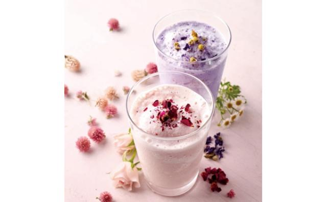 画像: グラスの中にお花畑♡ハーブのスムージーがアフタヌーンティーに登場