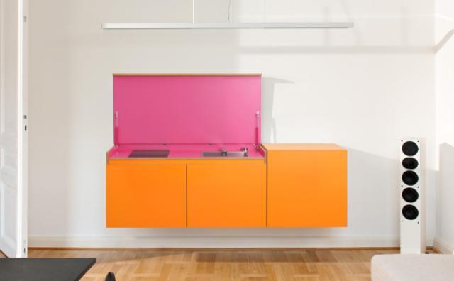 画像: 狭いお部屋をすっきり!省スペースのモジュール式カラフルキッチンが素敵