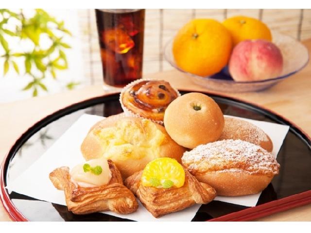 画像: 【CAFE&BAKERY MIYABI】旬のフルーツを使ったデザート感覚のデニッシュはいかが?夏らしい菓子パンや惣菜パン8種がお目見え♪