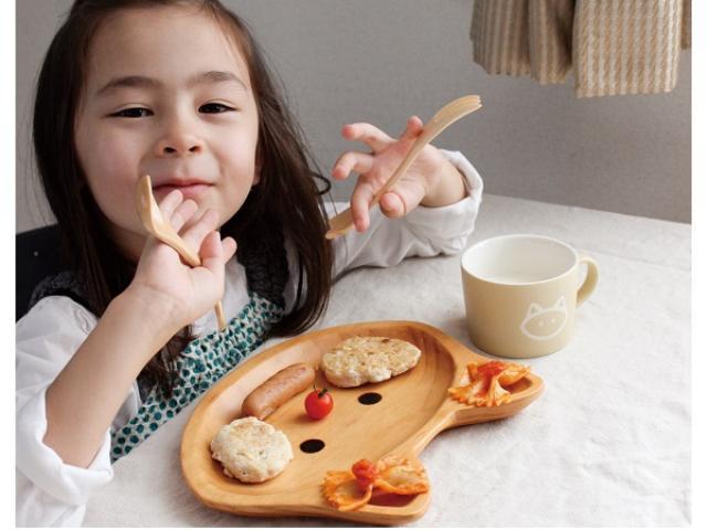画像: ギフトにいかが?毎日の食事をお子様ランチに変えてくれるウッドトレイに、ネコやロボットなど新柄が仲間入り!