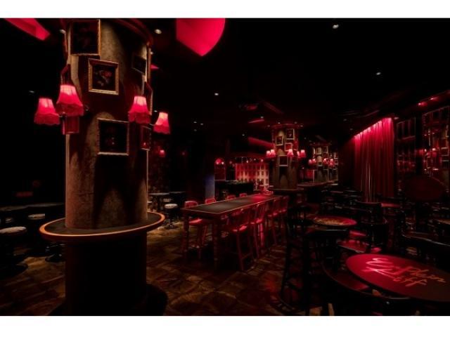 画像: まるでパリの社交場?! 夜遊び好きな大人のためのフレンチパブ&ビストロダイニングバーが大阪ミナミにオープン♡