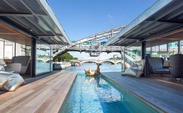"""画像: 夏休み最新情報!パリのセーヌ川にできたフランス初の""""水上ホテル""""がステキすぎる♡"""