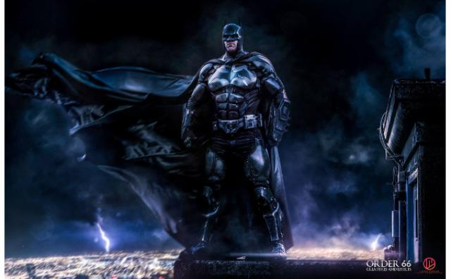 画像: これはすごい!「バットマン」ファンがつくった「バットマンスーツ」の再現率が高すぎる