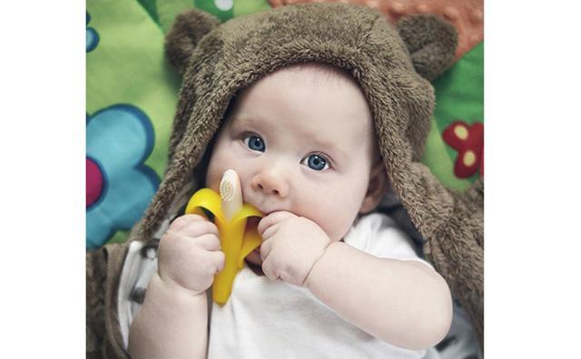 画像: ママも赤ちゃんもにっこり♡ミニバナナを模ったベビー用歯ブラシが可愛すぎ