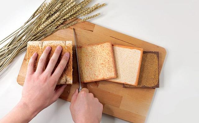 画像: なんておいしそうな...ノート!?どこからどうみても食パンそっくりなノートブックに目が釘付け☆