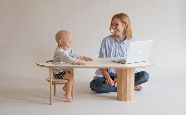 画像: 赤ちゃんシートから本棚へ☆子どもの成長を見守るコーヒーテーブルが素敵