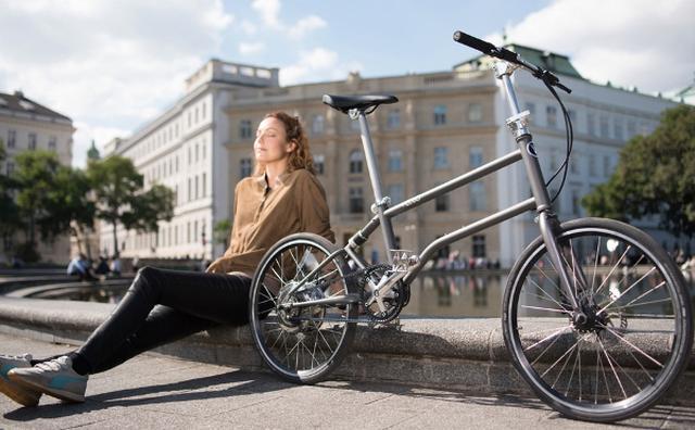 画像: スーツケースにも入っちゃう!とことん小さく折りたためる電動自転車が便利♪