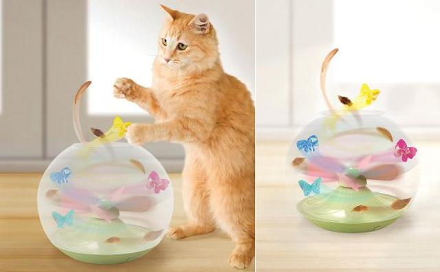 画像: 飛びまわる蝶に大興奮!猫の習性を利用したペット用おもちゃ