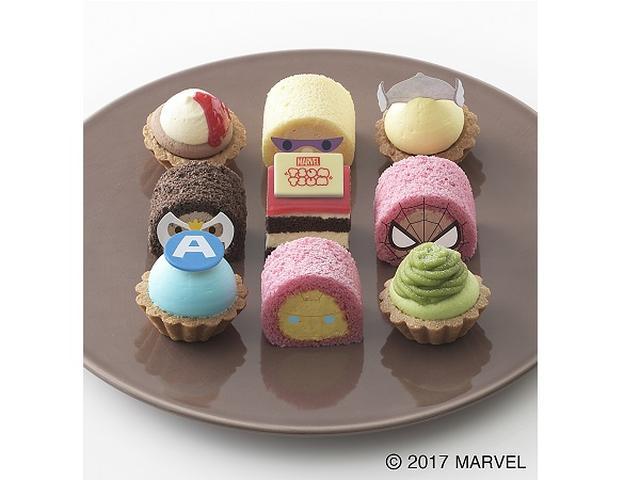 """画像: お皿の上でゲーム気分!""""マーベル ツムツム""""のプチケーキ"""