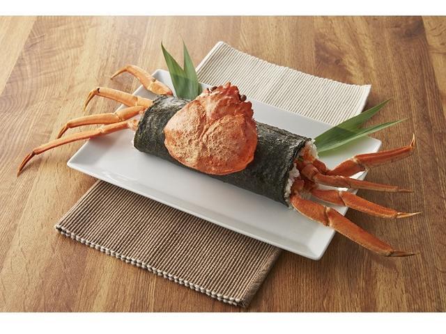 画像: ズワイ蟹がまるごと1杯どんっ!歩き出しそうな恵方巻き