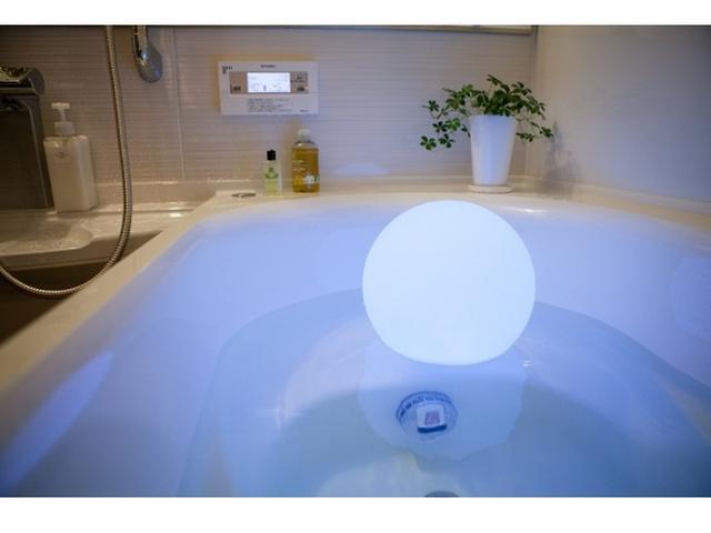 画像: 幻想的な癒しの灯り!満月みたいな防水LEDインテリアライト