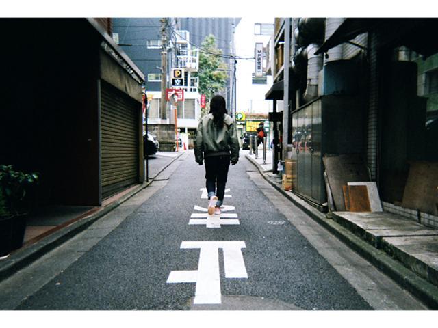 画像: 1日限定の写真展!女の子が歩く東京の小町を切り取る