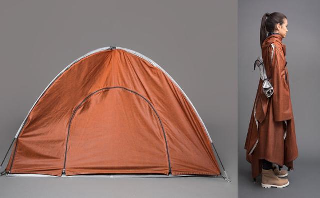 """画像: 災害時にも役立ちそう!難民のためにつくられた""""テントになるジャケット""""が画期的"""