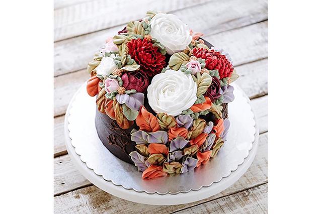 画像: 食べちゃうのがもったいない!カラフルなお花が咲き乱れるフラワーケーキが美しすぎる♡