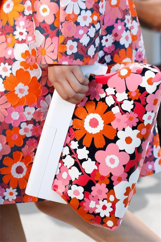 画像: お花見気分を盛り上げるのは、花ざかりの小物たち!