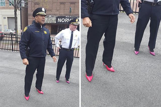 画像1: 米国の4月は「性暴力被害を認識する月間(Sexual Assault Awareness Month)」。男性がハイヒールを履いて1マイル歩くという珍しいチャリティイベントが、全国各地で開催されている。 今月9日、バージニア州で開催されたこのイベント「Walk a Mile in Her Shoes(彼女の靴を履いて1マイル歩こう)」に、ノーフォーク市警察の所長と副署長が現れ人々を驚かせた。 制服にピンクと紫のハイヒール 1マイルのマーチに参加したのはL. ブーン署長とJ. クラーク副署長。制服の警察官が女性用パンプスを履いた姿は、人々の失笑を買う怖れもある。しかし、女性への性暴力防止を警察として強く訴えるため、この2人はあえてその [...] irorio.jp
