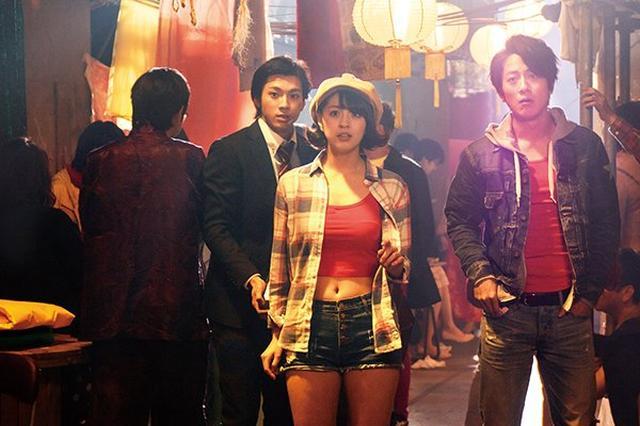 画像: 柳ゆり菜さん人生初のベリーショートで気分はマニッシュ!映画のキュートな探偵役がハマりすぎ♡
