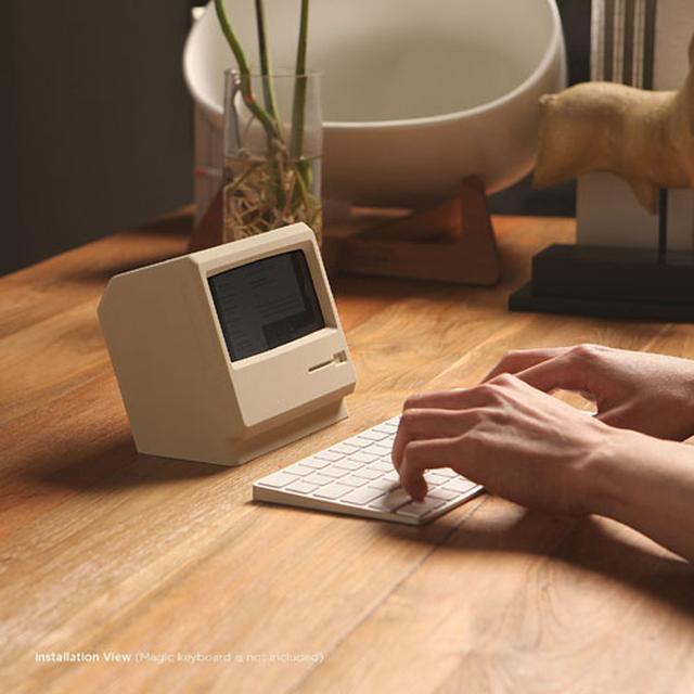 画像: 今度はiPhoneが初代Macintoshになっちゃうスタンドが登場『elago M4 STAND』