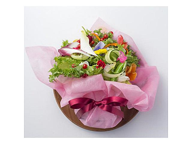 画像: 「ブーケサラダ」の花束で母の日ディナーを華やかに