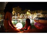 画像: 夜景とシャンパン!ゴージャスなナイトプールはいかが?