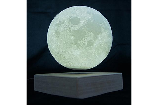 """画像: 柔らかな月光に癒やされる♪ふわりと浮遊する""""ムーンライト""""が神秘的で美しい"""