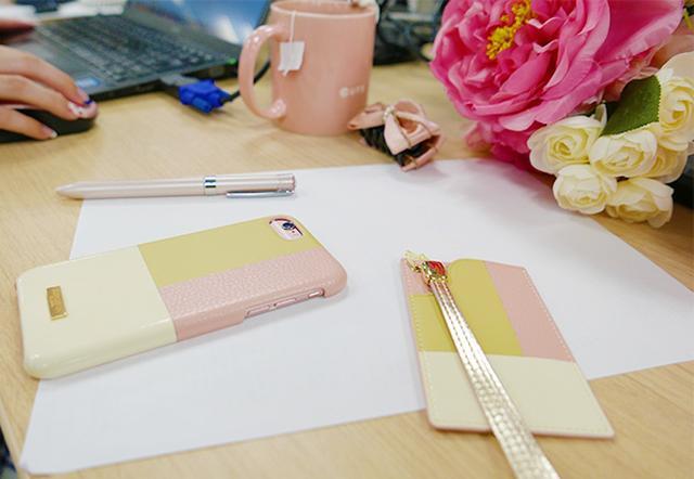 画像: GRAMASから同じデザインのパスケースがセットの大人なレザーiPhoneケースが登場♡