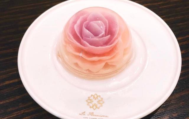 画像: スノードームみたい♡一輪のお花を閉じ込めた「フラワーゼリーケーキ」がオーストラリアで人気沸騰中