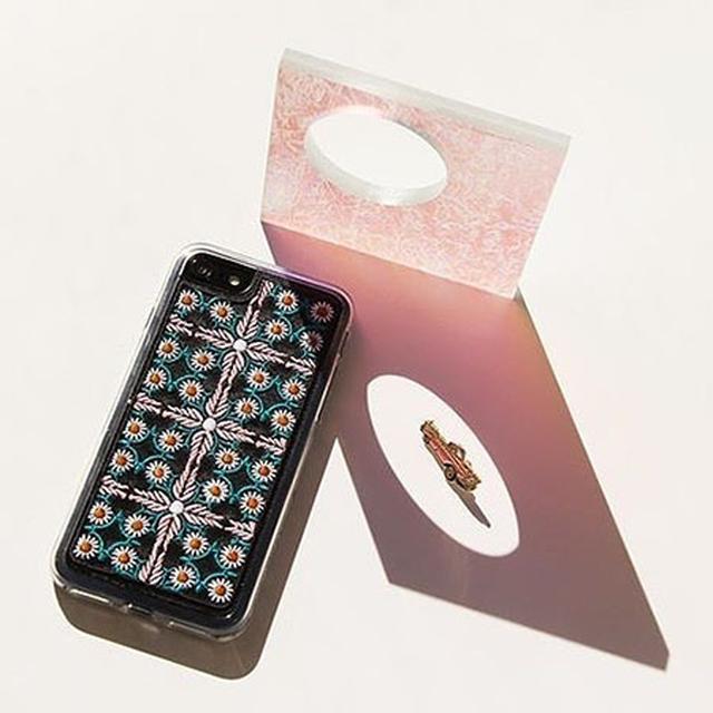 画像: 手元にもトレンドを!ZERO GRAVITYで刺繍のiPhone 7ケースを手に入れて♡