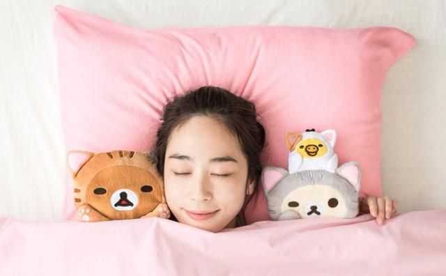 画像: 史上最高の癒し!?猫リラックマの「至福の添い寝ぬいぐるみセット」が今すぐ欲しい♡