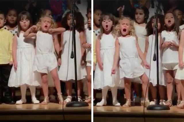 """画像1: 大好きな映画の大好きな曲を、クラスみんなで歌うことになった女の子がついつい熱唱してしまった動画が話題になっている。 柔らかく歌うはずが... 米フロリダ州在住のソフィアちゃんは、幼稚園に通う4歳の女の子。彼女のクラスは卒園式で、卒業生のために「モアナと伝説の海」のHow Far I'll Goを歌うことになっていた。 事前に「柔らかく歌う」という指示があったようだが、ソフィアちゃんはうっかり忘れてしまったようだ。 ついつい全力で歌ってしまったソフィアちゃんの姿がこちらだ。 周りの子たちとは明らかに違い、手や足を動かしながら、表情豊かに""""熱唱""""している。 10日間で1500万回再生 何ともかわいらしいソフィアちゃん。お母さんのミシェルさん [...] irorio.jp"""