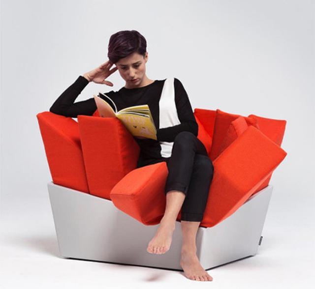 画像: 芝生の上に座ってるみたい♪用途に合わせて形をカスタマイズできる新感覚チェアが欲しい!