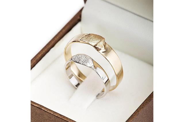 画像: いつも一緒にいたいから♡愛するパートナーの指紋を刻んだリングがロマンティック