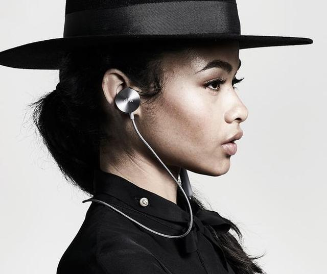 画像: 夏ファッションに溶け込むワイヤレスイヤホン「i.am+BUTTONS」でおしゃれな音楽ライフを