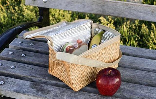 画像: 夏の必需品!見た目もキュートなバスケット風保冷バッグがおしゃピクやビーチに最適♩