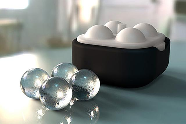 画像: 冷たいドリンクがグンとおいしくなる♡クリスタルのような澄み切った氷のボールが作れるアイストレー
