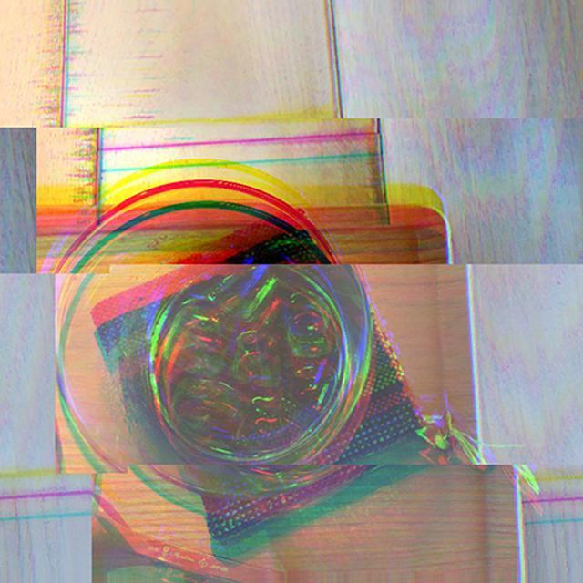 画像: ワンタップでサイケデリックな写真に加工。アプリ「Glitche」のエフェクトが超おしゃれ♩