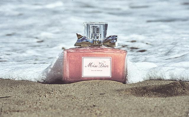 画像: 「ミス ディオール」から新作フレグランスが登場♩モダンでフェミニンな香りで秋を迎えたい
