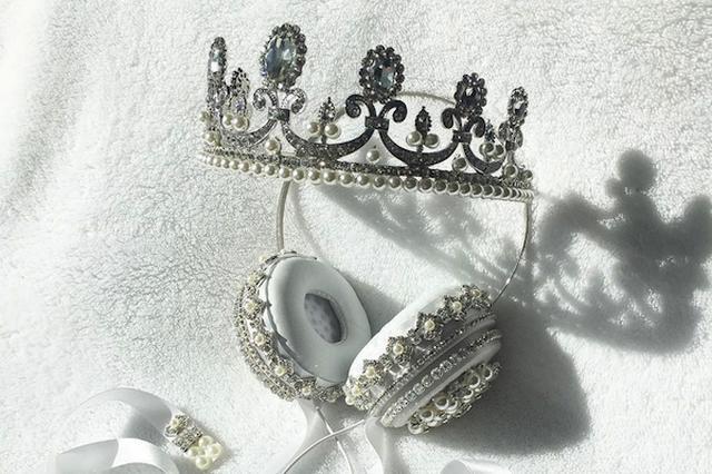 画像: きらびやかな「王冠ヘッドフォン」が海外SNSで話題に!