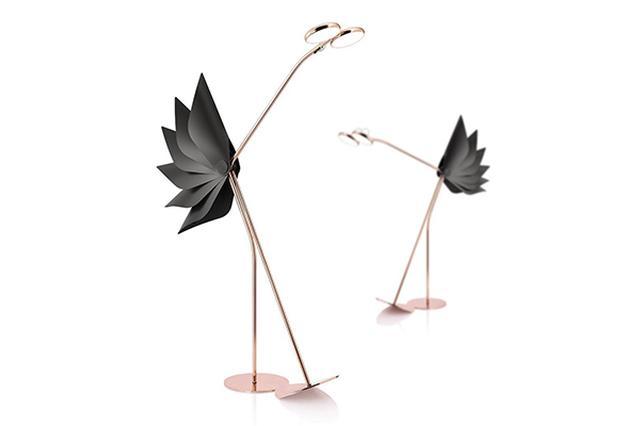 画像: 遊び心のあるデザインがたまらない♡キュートな鳥の形をしたフロアランプがユニーク