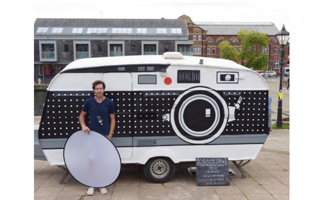 """画像: キャンピングカーが丸ごとカメラに!移動する""""巨大カメラ""""がおもしろい"""