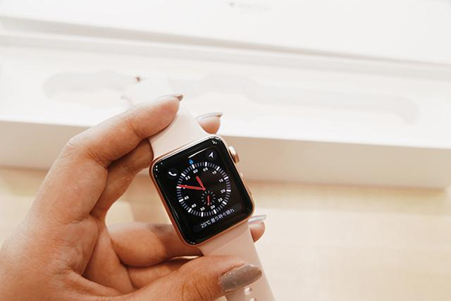画像: Apple Watch Series 3はAirPodsを直接ペアリングできる♩ さらに他の音楽プレイヤーも操作可能に。