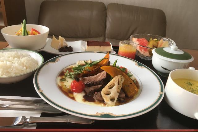 画像: 外国人ママが日本の病院食を投稿→海外「4つ星レストランみたい!」と大反響