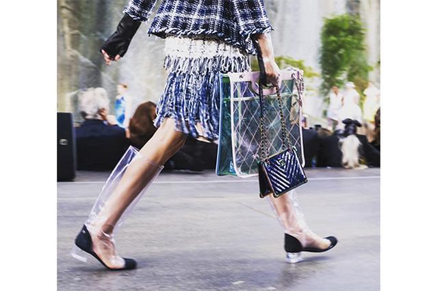 画像: 雨の日が待ち遠しい♩「シャネル」のレインファッションがスタイリッシュ