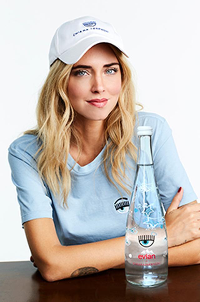 画像: 「エビアン×キアラ フェラーニ」のデザイナーズボトルが発売!オシャレな限定ボトルをGetして☆