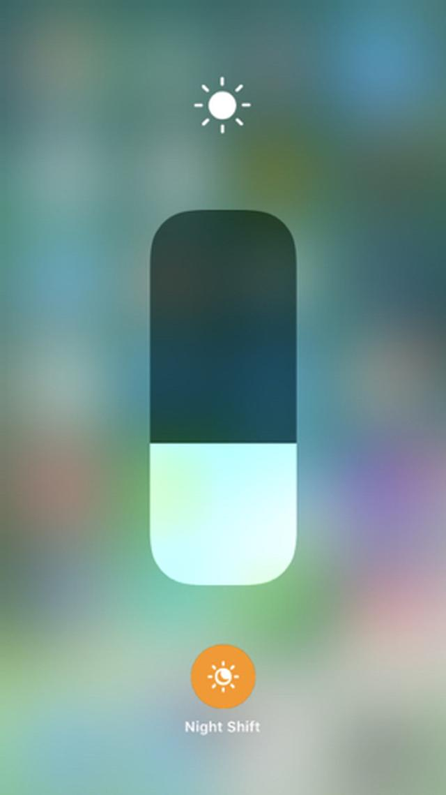 画像: 【iOS 11】実は引き続きNight Shiftモードをコントロールセンターで設定できる♩