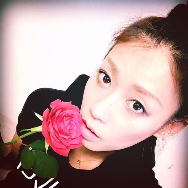 画像: 100 ROSES♡ my sisters anniversary❤️ #rose #anniversary #sister #party instagram.com