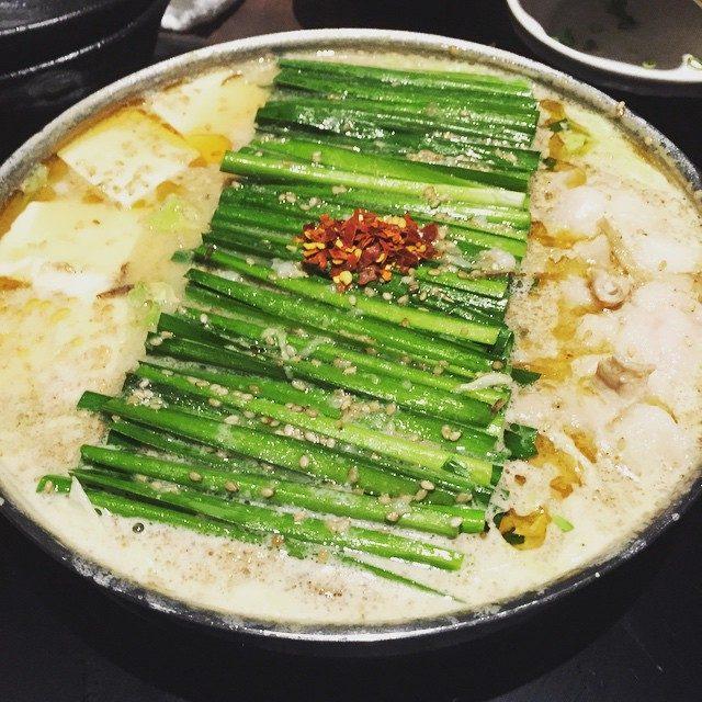 画像: もつ鍋さん #もつ鍋 #もつ #にら #味噌 #横浜 #おおやま instagram.com