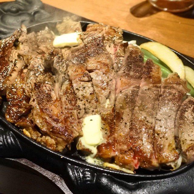 画像: リブロース(オージービーフ)1ポンド〜。 大阪人が開店前から行列し途絶えないという話題のステーキ店がオープン7/3(金) 人気は1ポンドのチャックアイステーキ、そして総重量1キロの特盛ステーキ丼。共に関東にも登場です! 12種類のスパイスやソース、 ...